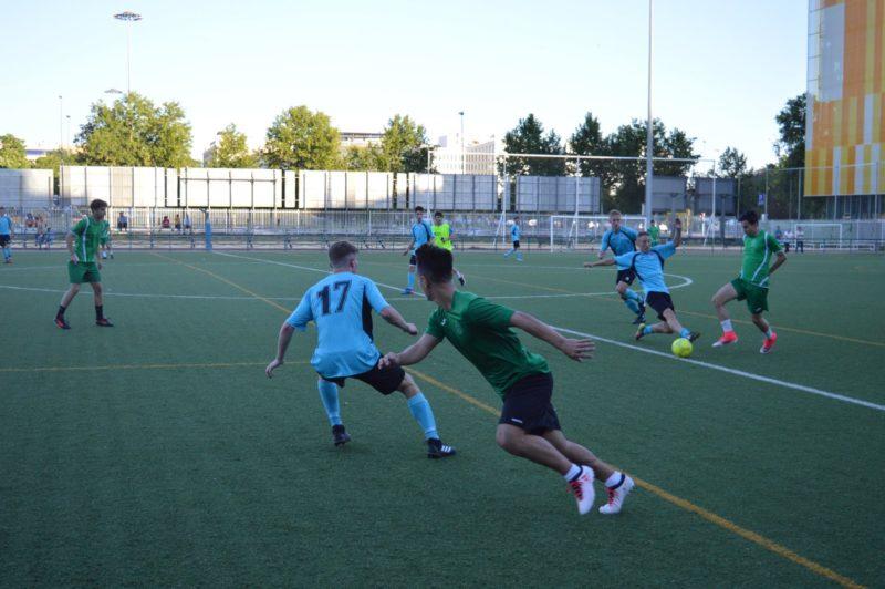 Harry, Football student, Seville